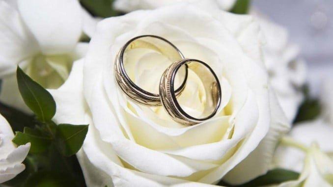 Optar por las bodas de otoño e invierno abarata los costes