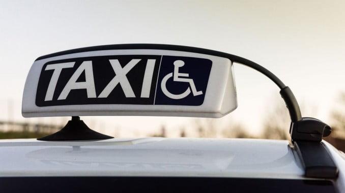 En Huelva sólo hay cuatro taxis adaptados en estos momentos, cuando debería haber al menos 12