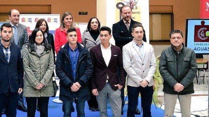 Entrega de los premios para universitarios  de la cátedra de Aguas de Huelva.