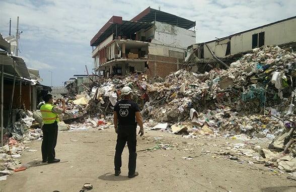 Bomberos Unidos sin Fronteras han viajado a muchos terremotos, entre ellos el de Ecuador.