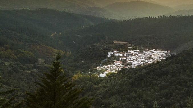 Almonaster la Real pasa a formar parte de la Asociación de los Pueblos más Bonitos de España