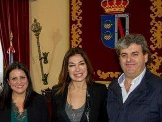 La alcaldesa de Almonte, Rocío Espinosa, ha mantenido este martes una reunión de trabajo con Raquel Revuelta