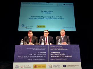 El presidente del Puerto, el alcalde de Huelva y el delegado de la Junta en la inauguración de una jornada