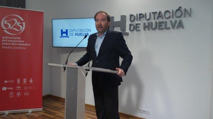 El portavoz del Grupo Socialista explica las mociones a debatir en la Diputación