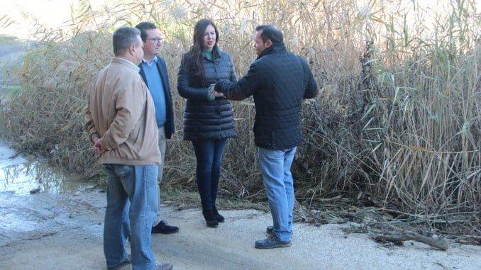 Manuel Andrés González visita el arroyo de Chucena
