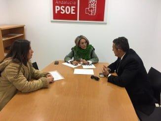 Pepa González Bayo mantiene un encuentro con SOS  Bebés Robados de la provincia