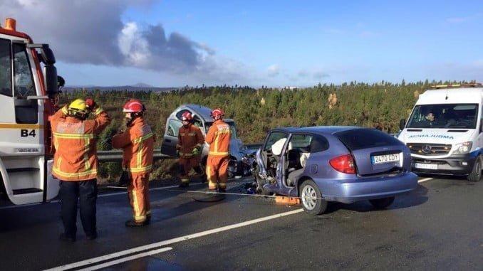 Imagen del accidente de tráfico en El Perrunal, en el que ha resultado heridas dos personas
