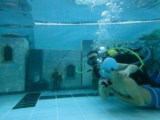Los niños podrán disfrutar, una Navidad más, del belén subacuático de los bomberos