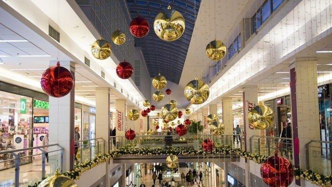 La mayor partida del gasto en Navidad será para los regalos, una media de 248,86 euros