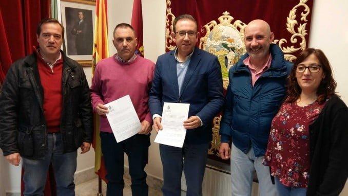 El alcalde de Aracena y los empresarios de la localidad presentan la campañan de Navidad