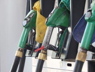 Las gasolinas hacen subir el IPC en noviembre más de lo esperado