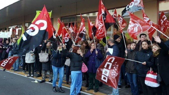 Tras el éxito de participación de los trabajadores en la huelgas que se han celebrado los  días 22 y 23 de diciembre, los sindicatos mantienen los paros y concentraciones de la Hostelería de aeropuertos