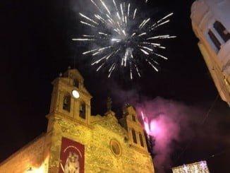 Retrospectiva de las campanadas en la Iglesia del Carmen el pasado año tras restaurar el reloj y recuperar la tradición