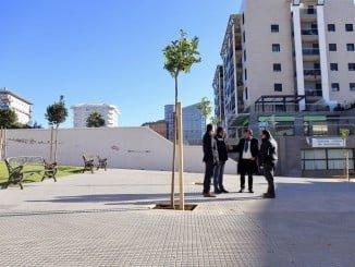 El alcalde visita la plaza de la Virgen de las Angustias, recientemente reformada