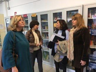 Carmen Céspedes, Pilar Miranda y Berta Centeno visitan la Escuela Oficial de Idiomas