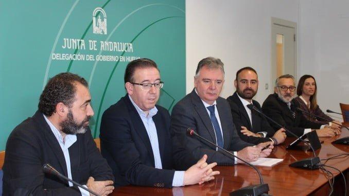 Los delegados del Gobierno y de Agricultura presentan la línea de subvenciones a los GDR