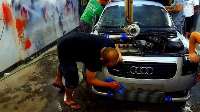 Venta y reparación de vehículos de motor y motocicletas registra el mayor incremento (13,4%)