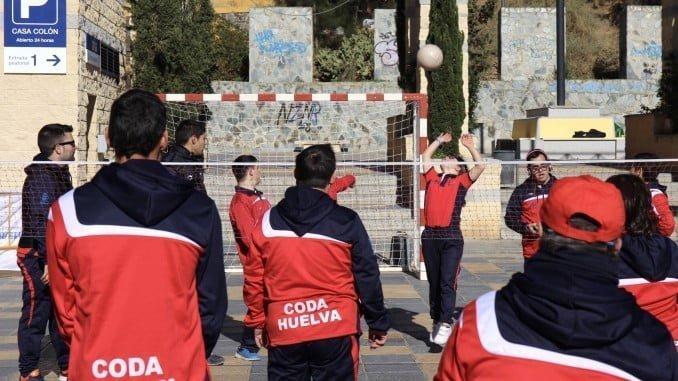 El primer 'Sábado Deportivo' ha contado con la participación del Club Onubense de Deportes Adaptados
