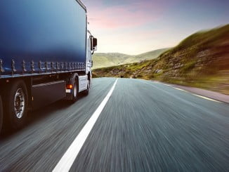 El convenio afectará a 4.696 trabajadores del sector transporte en Huelva
