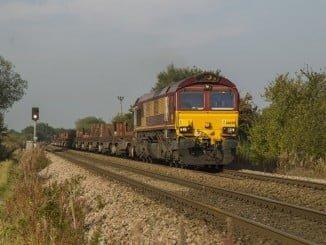 El tren de mercancias ha llegado a su destino a las 10.29 horas tras colisionar con un vehículo