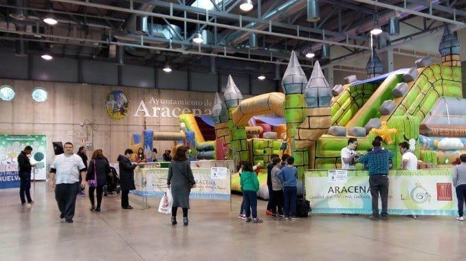 La Feria de la Infancia y Juventud cuenta con una zona de hinchables