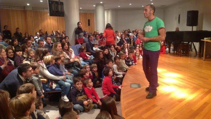Los niños y sus padres disfrutarán un año más con el cuentacuentos musical programado por Fundacion Caja Rural del Sur.