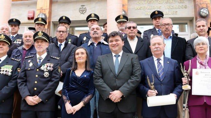 Autoridades y galardonados en el 194 aniversario de la Policía Nacional
