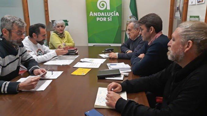 """Representantes de AxSí se reúnen con los de """"45 sin depidos"""""""