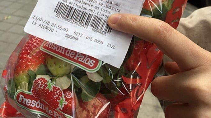 Promoción de Carrefour para regalar fresa de Huelva