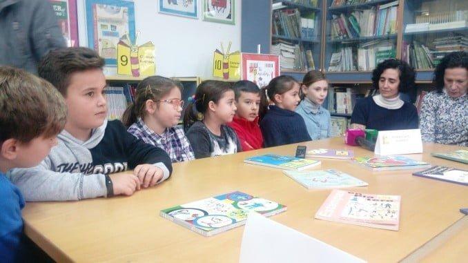 Alumnos del colegio Zenobia, de Moguer