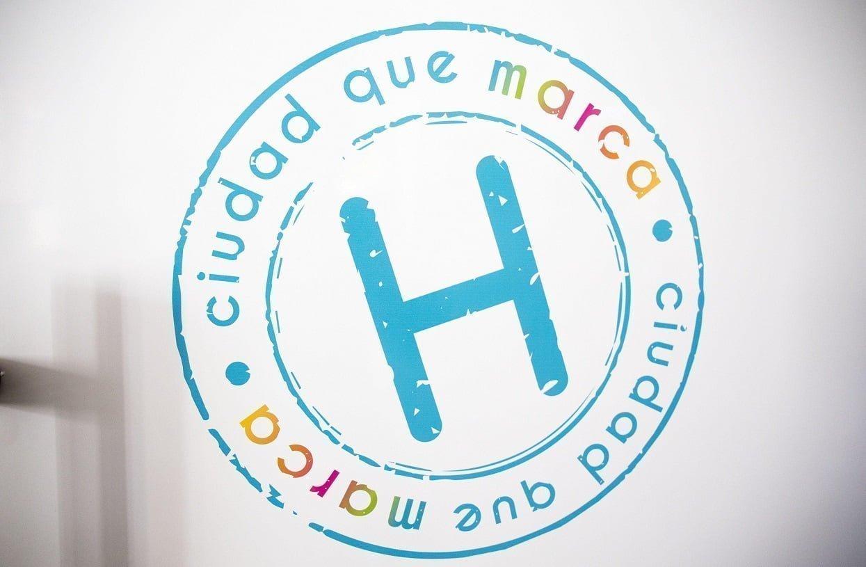 Logotipo de la marca 'Huelva, ciudad que marca'