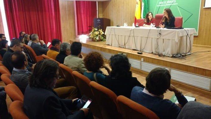 Madueño y Bejarano en unas jornadas en las que han participado un centenar de ayuntamientos