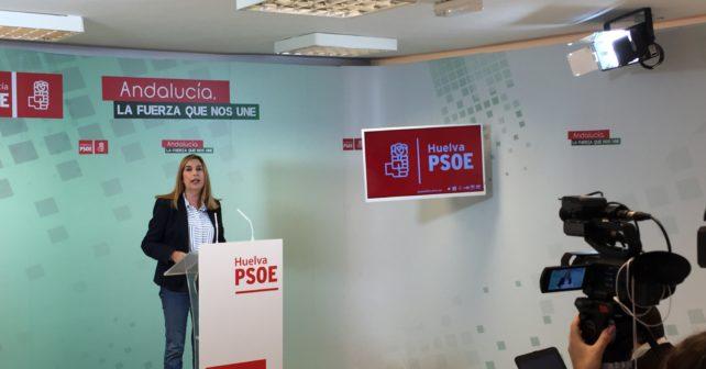 Manuela Serrano en la dede del PSOE de Huelva