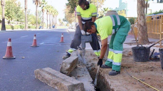 Obras de un paso de peatones en Cristóbal Colón