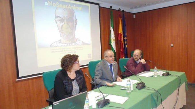 Presentación en Huelva de la campaña #NoSeasAnimal