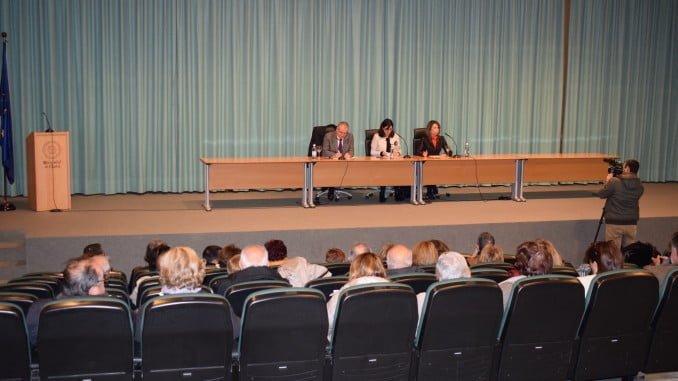 La rectora ha inaugurado la Semana Cultural en la Facultad de Ciencias del Trabajo y Trabajo Social