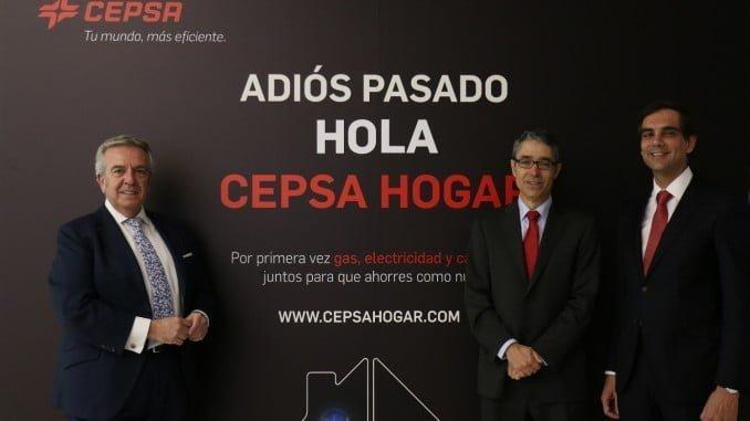 Santiago Ruiz, director de Estaciones de Servicio; Álvaro Díaz,  director Comercial, y Filipe Henriques, director de Gas y Electricidad Residenciales