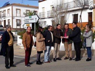 Visita a la zona donde se van a ejecutar las obras de Giahsa en Puebla de Guzmán