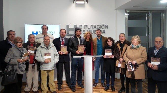 El libro se ha regalado a los agraciados en las actividades del aniversario del Mercado del Carmen