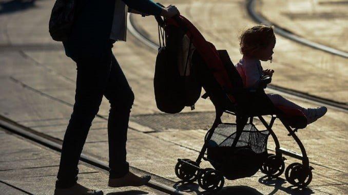 El número de nacimientos ha descendido un 4,9% en Andalucía el pasado año