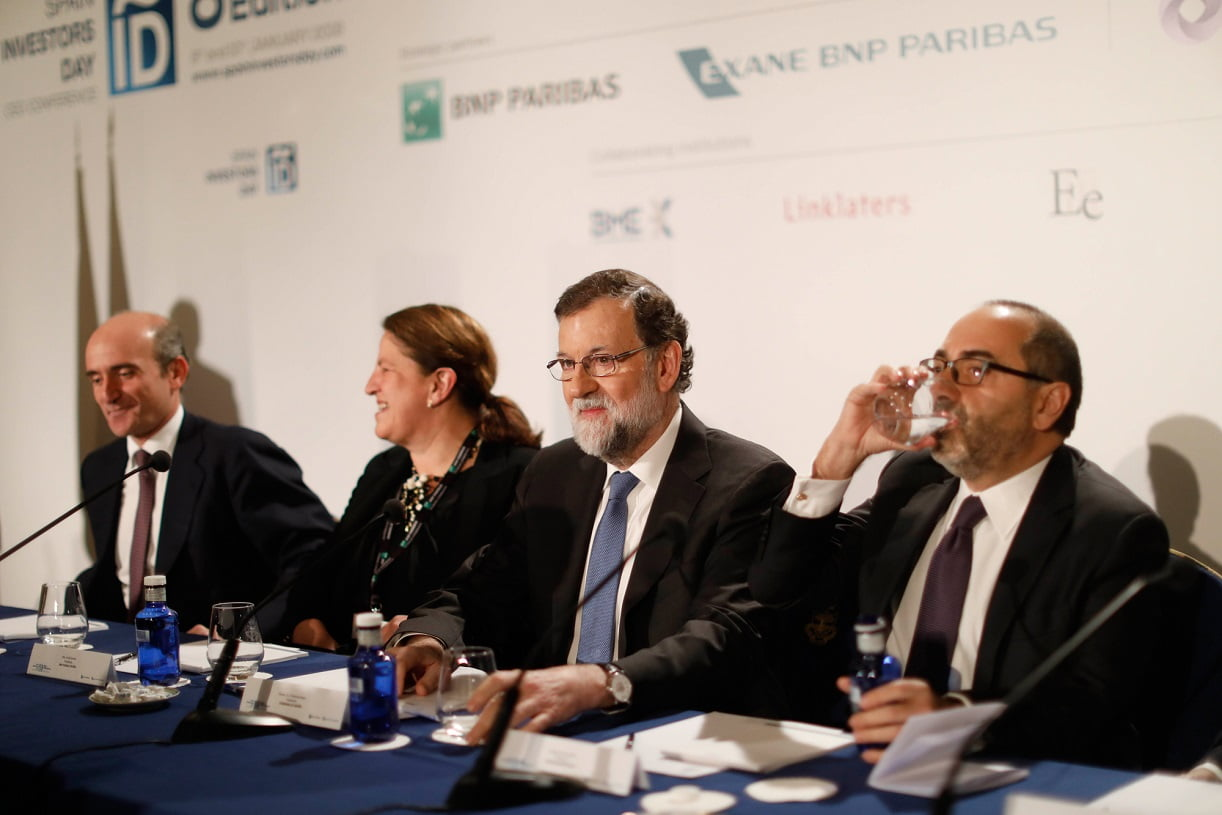 Rajoy junto al presidente de Spain Investors Day y la presidenta de BNP Paribas España