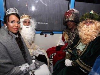 Los Reyes Magos y la Estrella de Ilusión ya reparten alegría por los hospitales de Huelva y residencias de ancianos