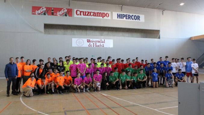 Jóvenes participantes en Uniliada