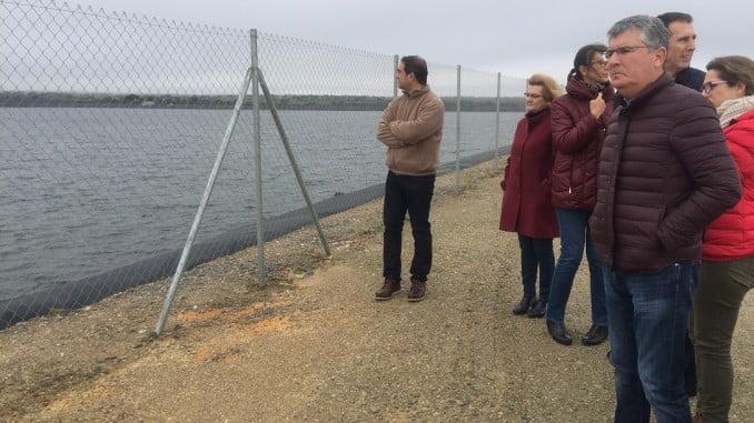 Cortés visita las instalaciones de la Comunidad de Regantes Pedro Arco
