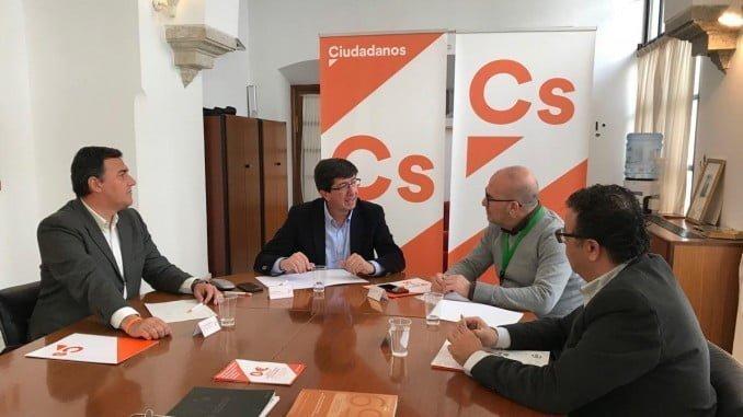 Juan Marín, el portavoz de C´s, Juan Marín, ha mantenido hoy una reunión de trabajo con el presidente de CSIF Andalucía, José Luis Heredia