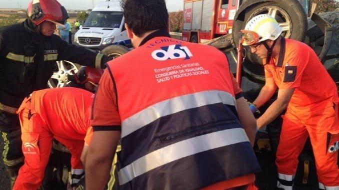 Al lugar del acidente se han trasladado los servicios médicos, bomberos y Policía Local