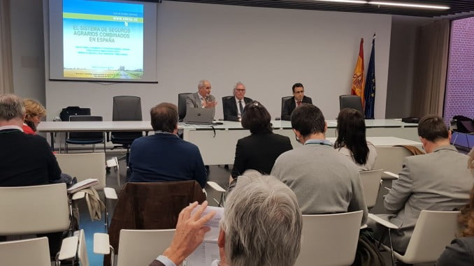 González Serrano ha participado en  el Seminario sobre el aseguramiento de especies de acuicultura,organizado por APROMAR