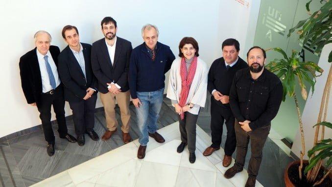 Participantes en el acto de inauguración del Máster de la UNIA.