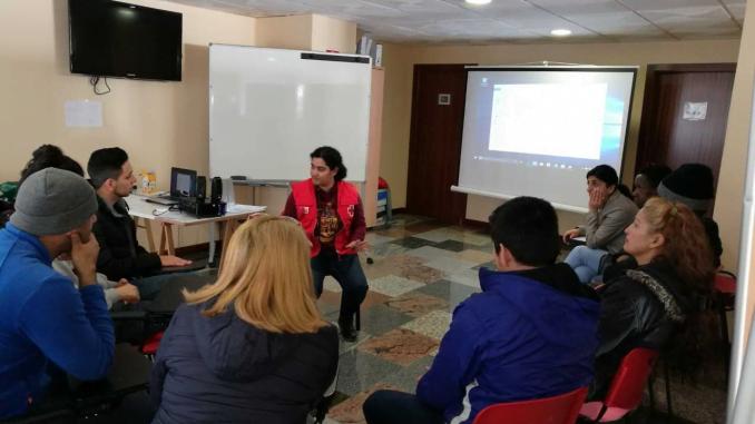 Taller de Cruz Roja para personas refugiadas en Huelva