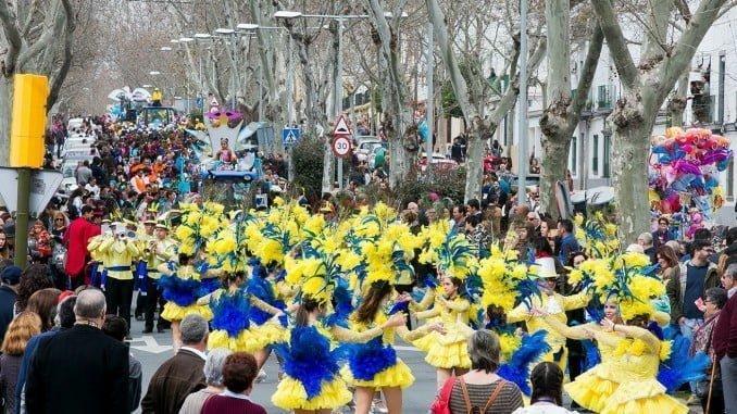 La Cabalgata del Carnaval Colombino partirá, por primera vez, de la Plaza de las Monjas